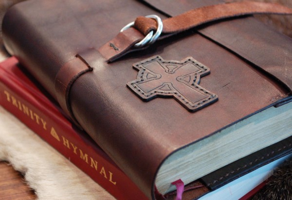 folklander-leather-bible-cover-03